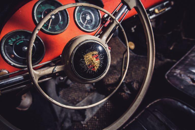 Photos de Porsche à restaurer - Page 11 Porsch19