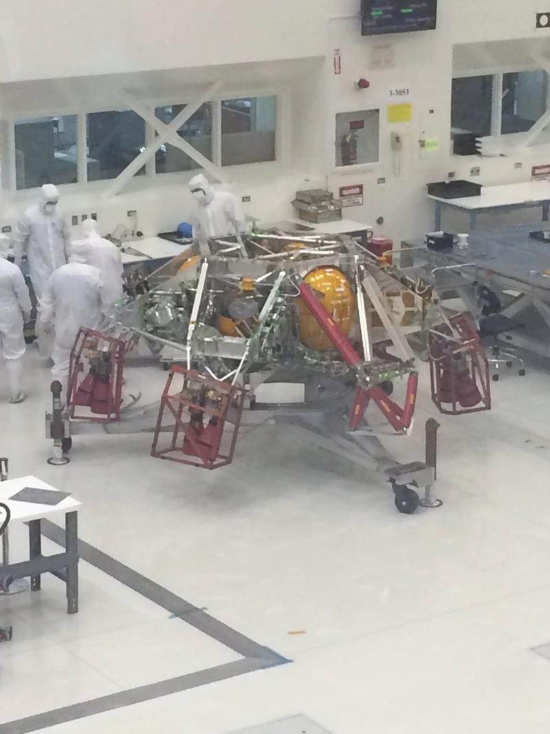 "Préparation du rover Mars 2020 ""Perseverance"" - Page 5 179"
