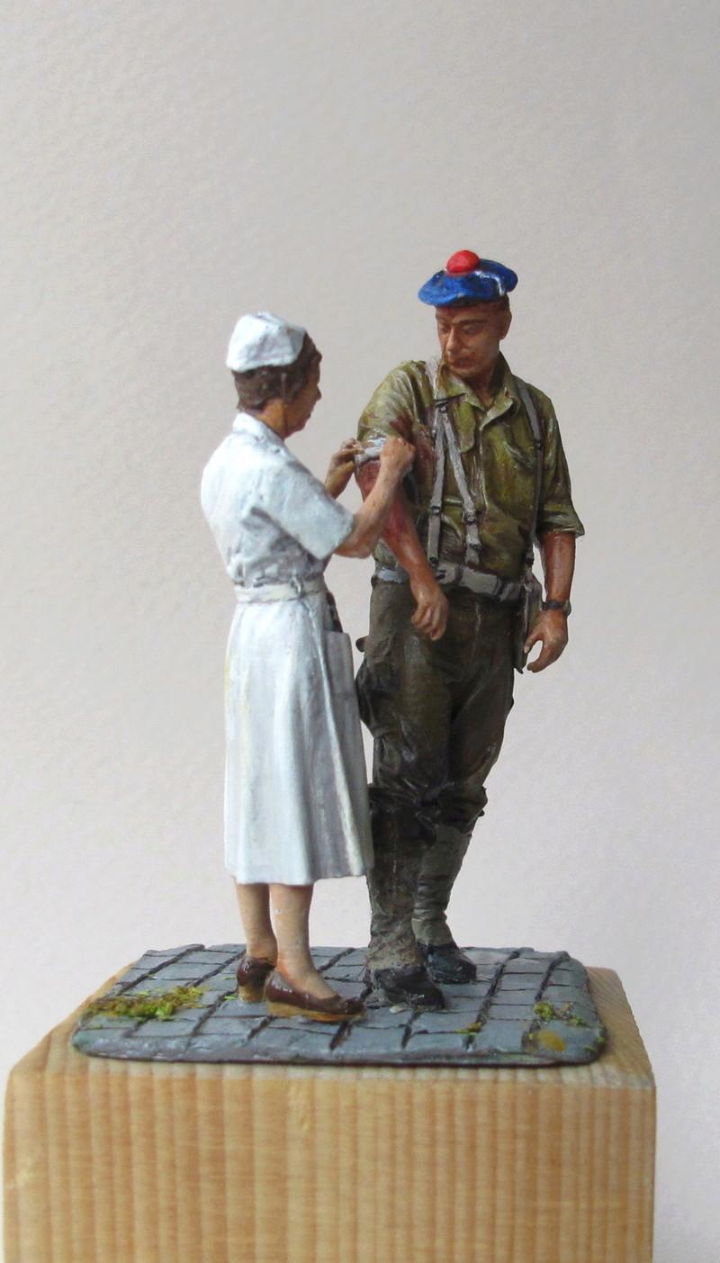 Toulon, le 26 août 1944, fusilier marin blessé 01410