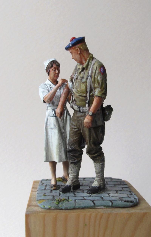 Toulon, le 26 août 1944, fusilier marin blessé 01610