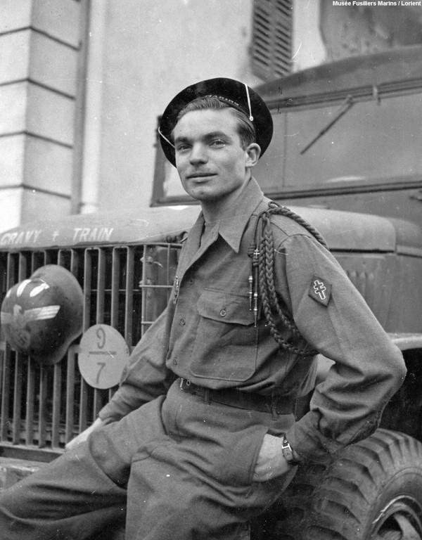 Toulon, le 26 août 1944, fusilier marin blessé I3adaf10