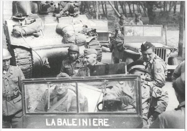 Toulon, le 26 août 1944, fusilier marin blessé Offici10