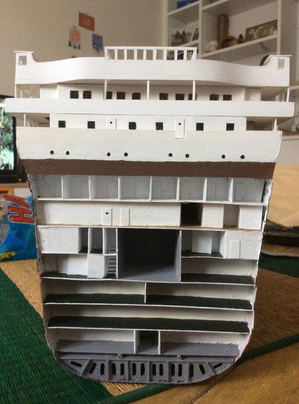 Coupe Titanic 1/200 Img_1022