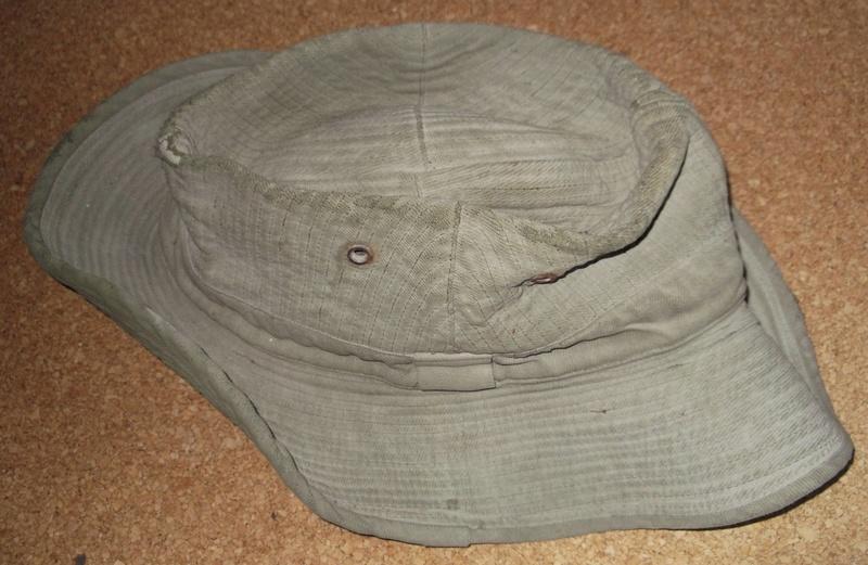 chapeau de brosse indo? 00113