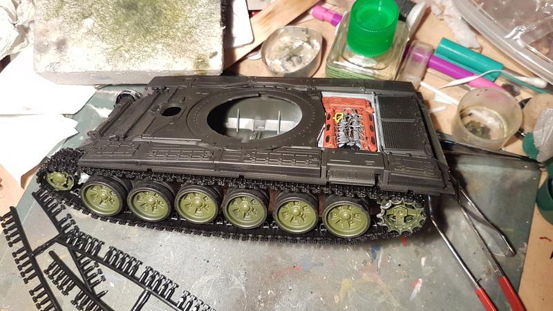 T-72 B3, de Meng Fb_img11