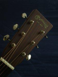 """Guitare Martin OM-28V - Année 2010 - Série """"Marquis"""" Joel_b10"""