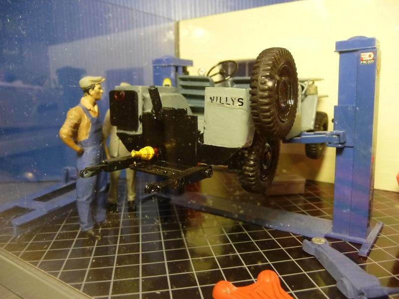 JEEP WILLYS CJ3 agricole avec charrue bisocs relevage hydrolique  - En atelier   - 1/24éme P1070422