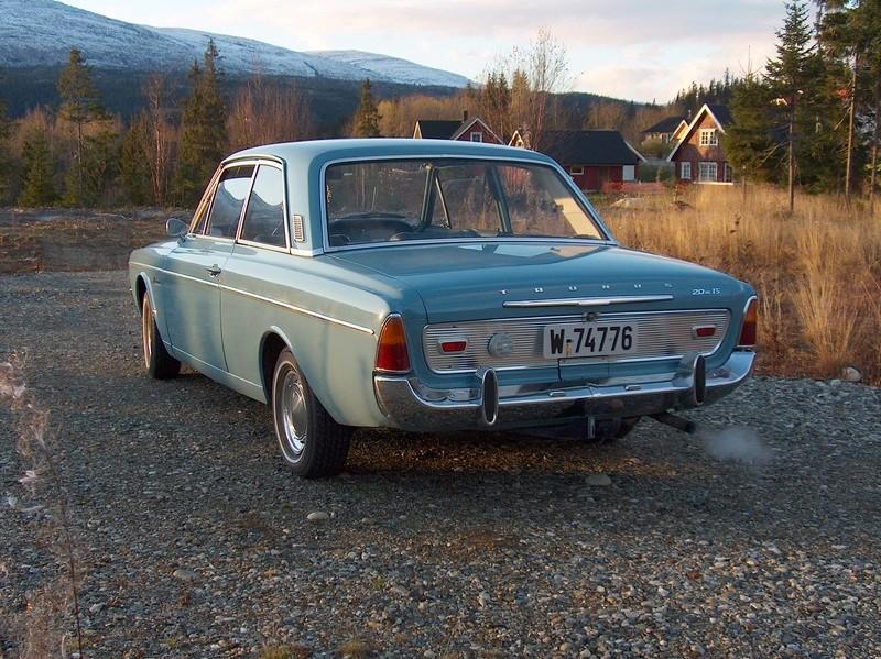 Robert A sine kjøretøy 04610