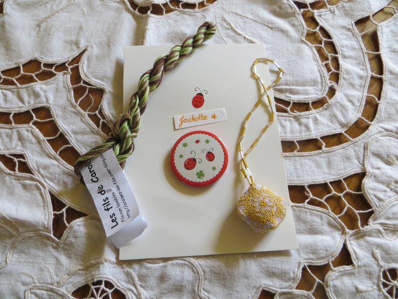 **PHOTOS** petit jaune/orange - ENVOI le 21 juin au + tard Img_2011