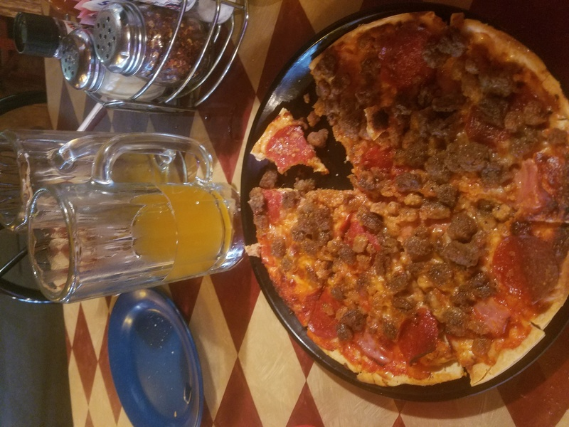 Pizza and beer  14981610