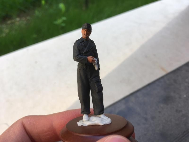 Premières figurines Img_0813