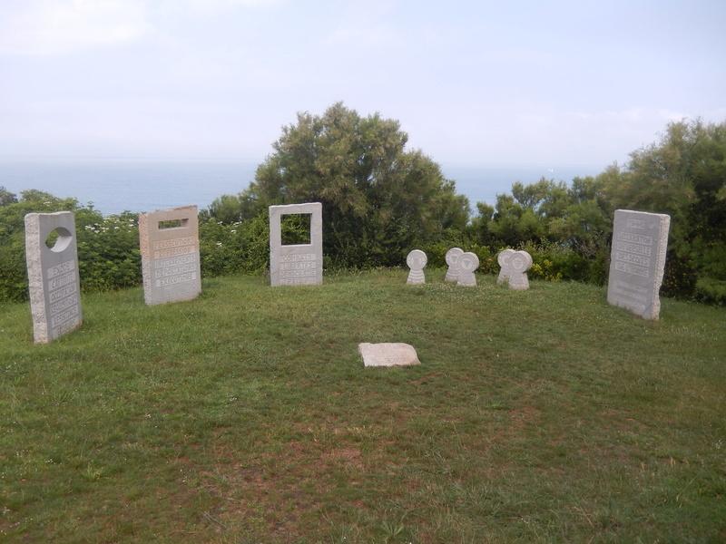 [Histoires et Histoire] Monuments aux morts originaux Français Tome 1 - Page 39 Vacanc10