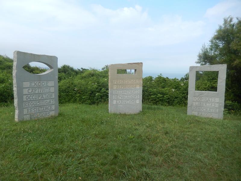 [Histoires et Histoire] Monuments aux morts originaux Français Tome 1 - Page 39 Vacanc12