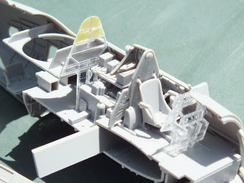 TBM-3 Avenger from USS Bunker Hill 1/48 Academy Dscf1517