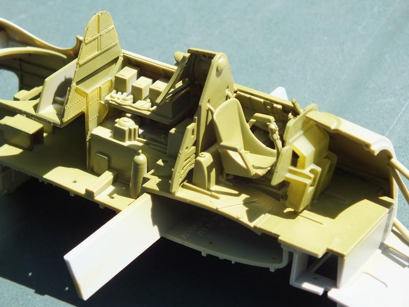 TBM-3 Avenger from USS Bunker Hill 1/48 Academy Dscf1518