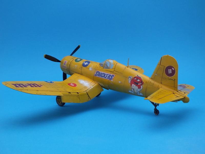 Corsair F4AU-1A 1/48 Tamiya réf.61070 décoration spécifique à mon pseudo............ - Page 2 Dscf1727