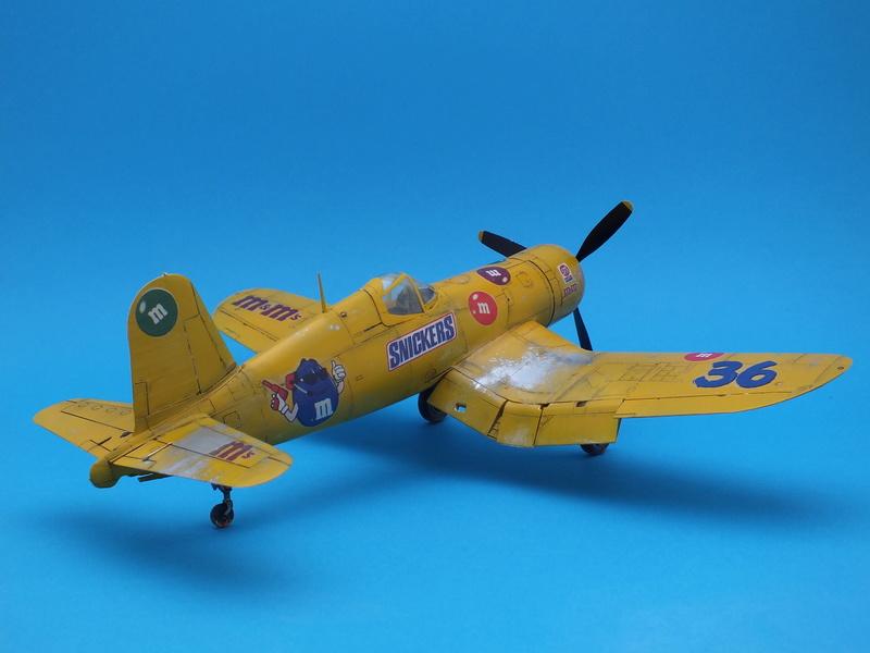 Corsair F4AU-1A 1/48 Tamiya réf.61070 décoration spécifique à mon pseudo............ - Page 2 Dscf1728