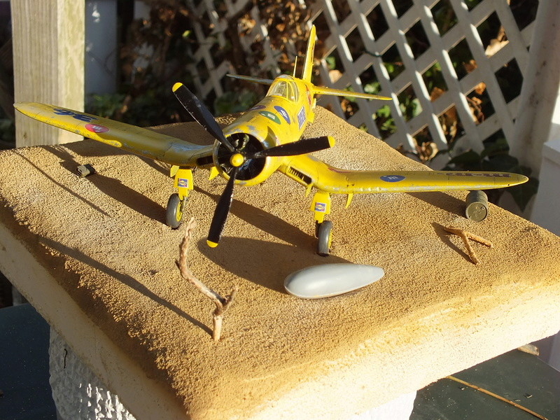 Corsair F4AU-1A 1/48 Tamiya réf.61070 décoration spécifique à mon pseudo............ - Page 2 Dscf1740