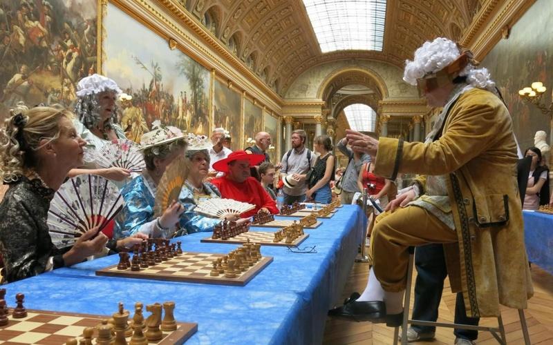 Versailles en costume d'époque, qui ose? - Page 5 70628110