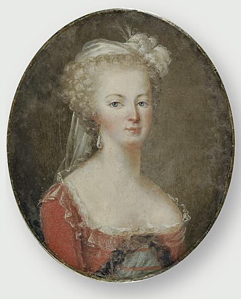 Marie-Antoinette en robe rouge sans ses enfants - Page 2 Mariea10