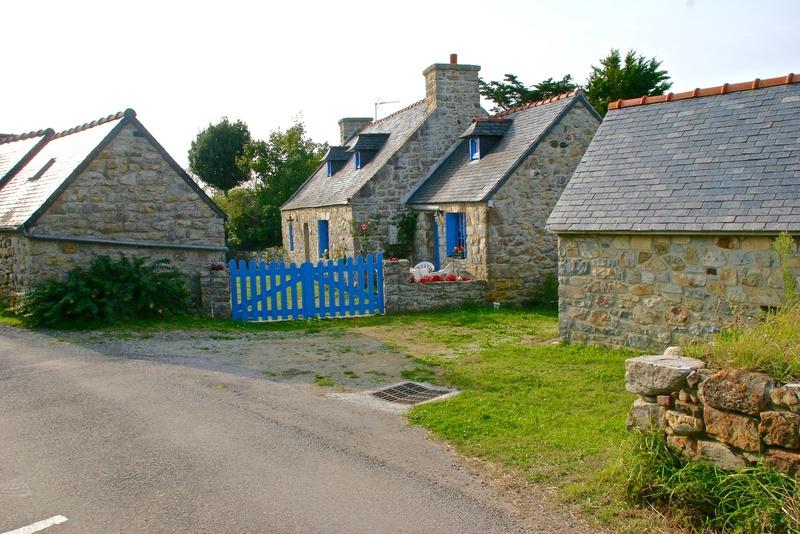 Kerdreux après le dolmen, le village ! Img_5118