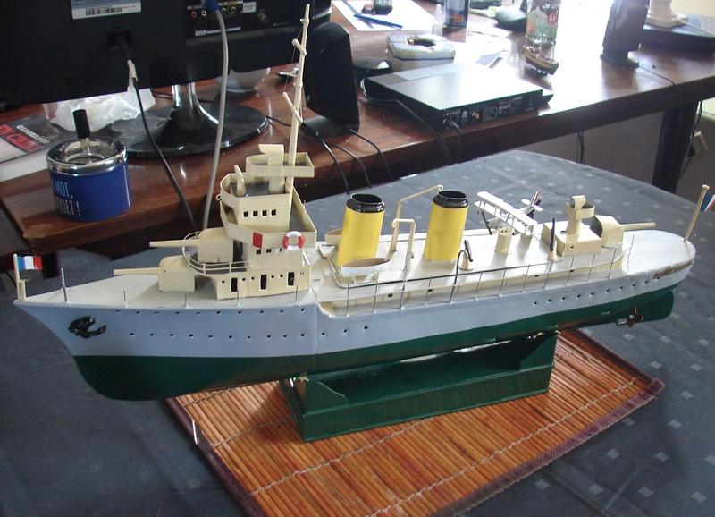 restauration maquettes-jouets Dumont d'Urville et L'Alerte - Page 2 Dsc01612