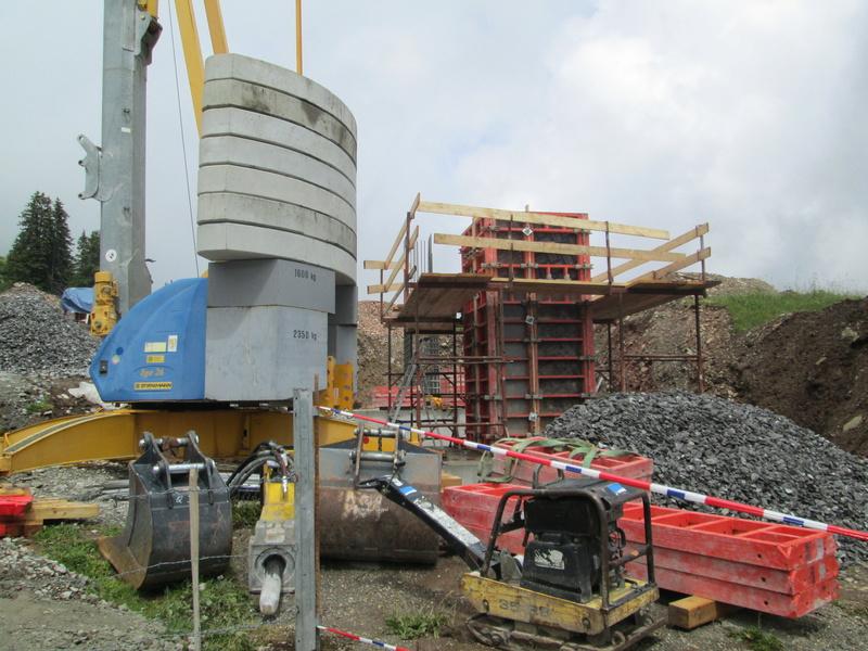 Construction du télésiège débrayable 4 places Le Fer-Brion-Tête d'Ai à Leysin VD Suisse (TSD4) Img_2010
