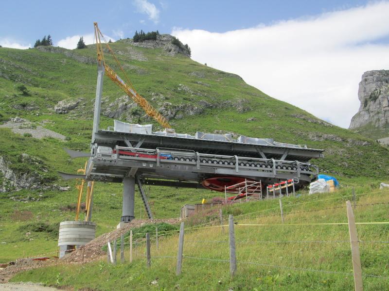 Construction du télésiège débrayable 4 places Le Fer-Brion-Tête d'Ai à Leysin VD Suisse (TSD4) Img_2031