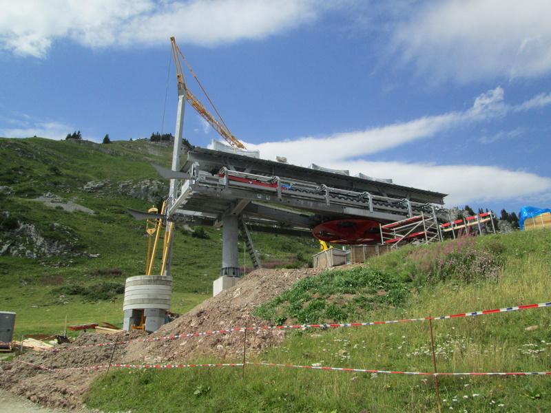 Construction du télésiège débrayable 4 places Le Fer-Brion-Tête d'Ai à Leysin VD Suisse (TSD4) Img_2032