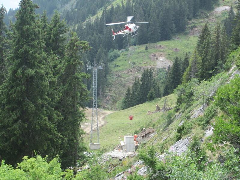 Construction du télésiège débrayable 4 places Le Fer-Brion-Tête d'Ai à Leysin VD Suisse (TSD4) Img_2036