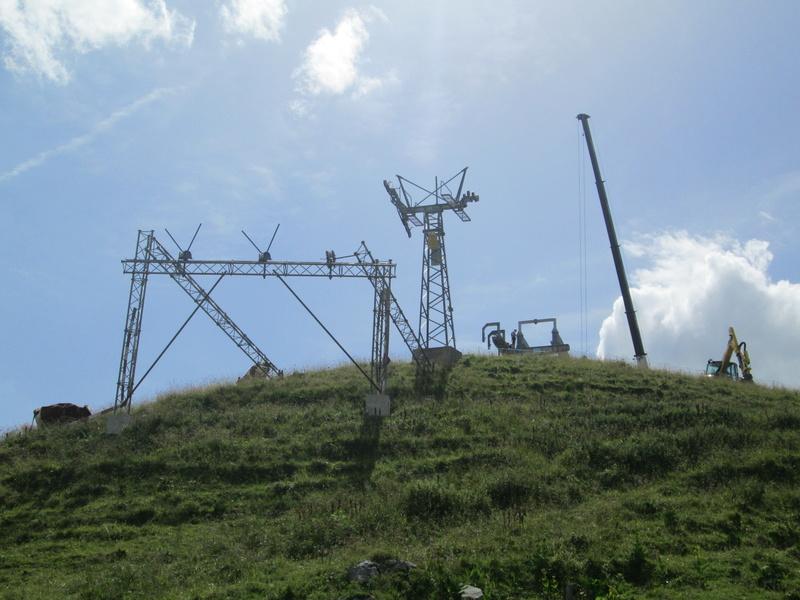 Construction du télésiège débrayable 4 places Le Fer-Brion-Tête d'Ai à Leysin VD Suisse (TSD4) Img_2040