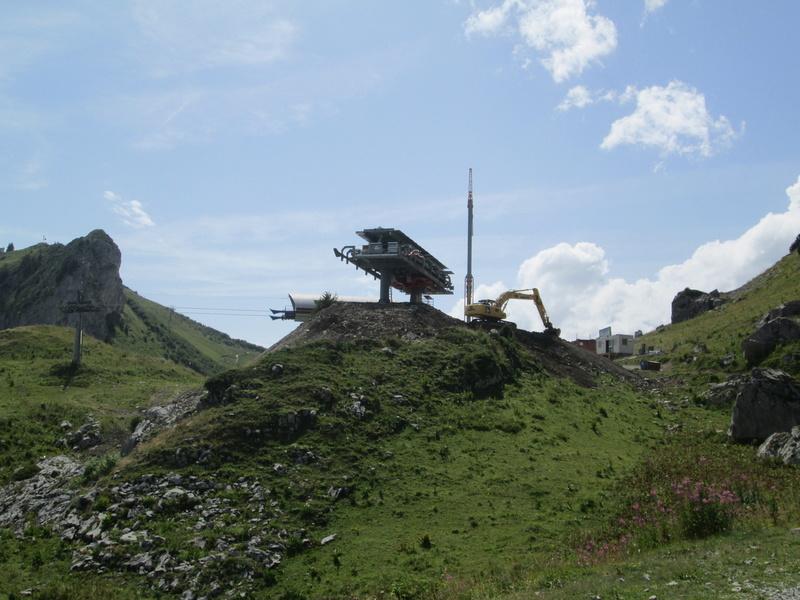 Construction du télésiège débrayable 4 places Le Fer-Brion-Tête d'Ai à Leysin VD Suisse (TSD4) Img_2041
