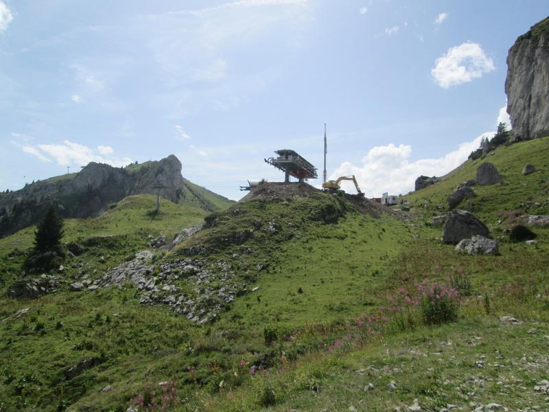 Construction du télésiège débrayable 4 places Le Fer-Brion-Tête d'Ai à Leysin VD Suisse (TSD4) Img_2044