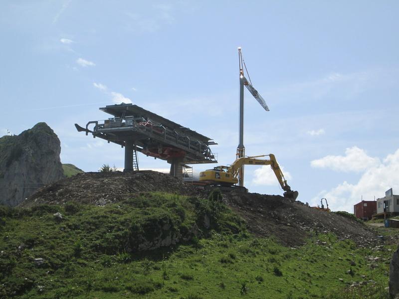 Construction du télésiège débrayable 4 places Le Fer-Brion-Tête d'Ai à Leysin VD Suisse (TSD4) Img_2045