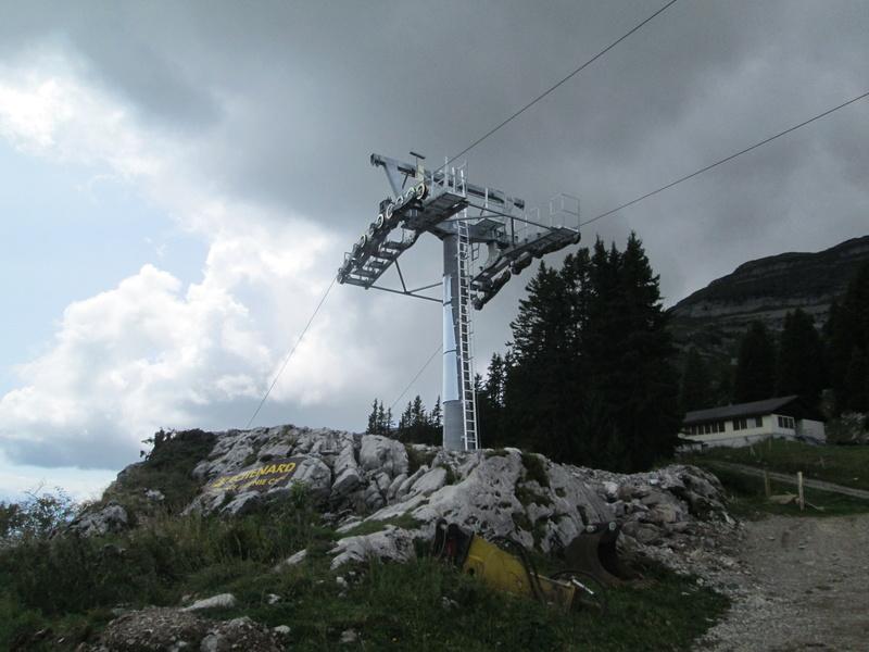 Construction du télésiège débrayable 4 places Le Fer-Brion-Tête d'Ai à Leysin VD Suisse (TSD4) Img_2049