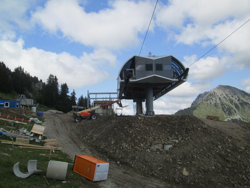 Construction du télésiège débrayable 4 places Le Fer-Brion-Tête d'Ai à Leysin VD Suisse (TSD4) Img_2057