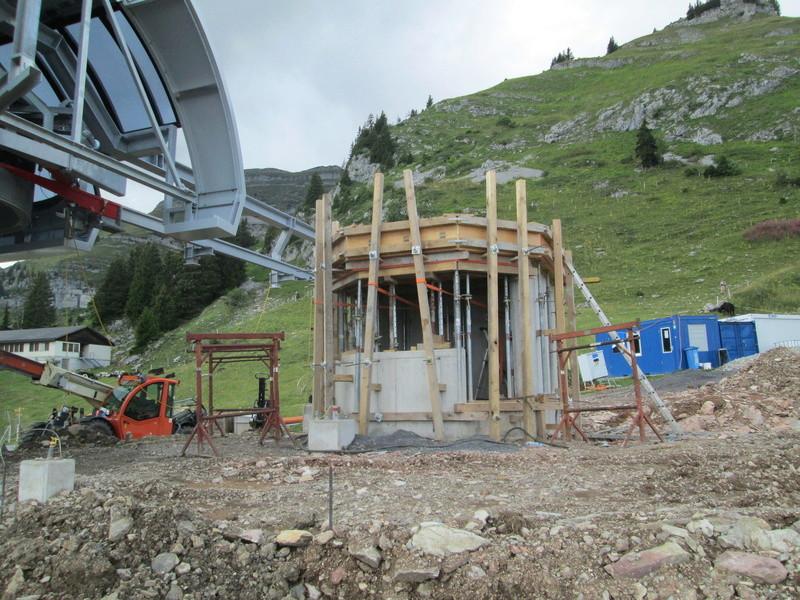 Construction du télésiège débrayable 4 places Le Fer-Brion-Tête d'Ai à Leysin VD Suisse (TSD4) Img_2058