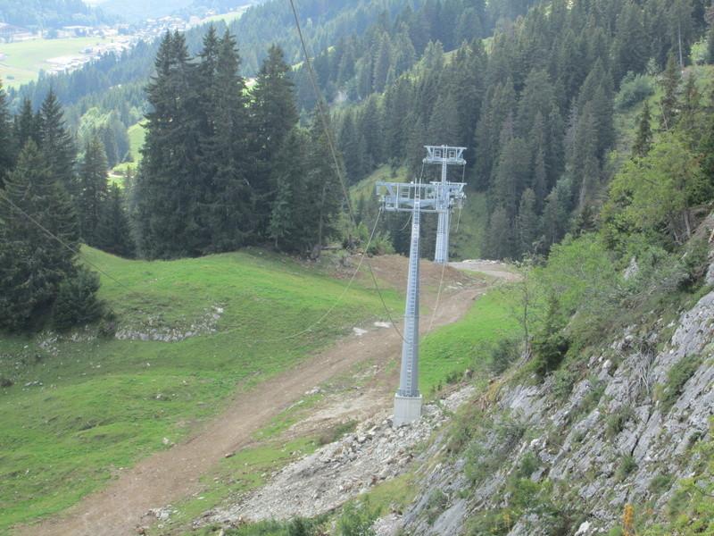 Construction du télésiège débrayable 4 places Le Fer-Brion-Tête d'Ai à Leysin VD Suisse (TSD4) Img_2060