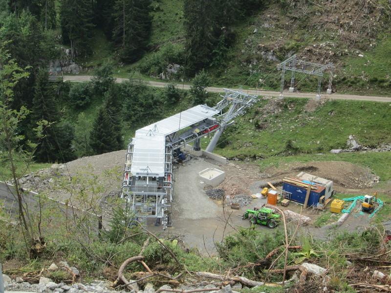 Construction du télésiège débrayable 4 places Le Fer-Brion-Tête d'Ai à Leysin VD Suisse (TSD4) Img_2065