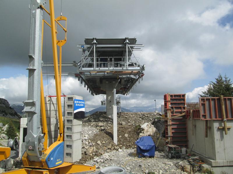 Construction du télésiège débrayable 4 places Le Fer-Brion-Tête d'Ai à Leysin VD Suisse (TSD4) Img_2111