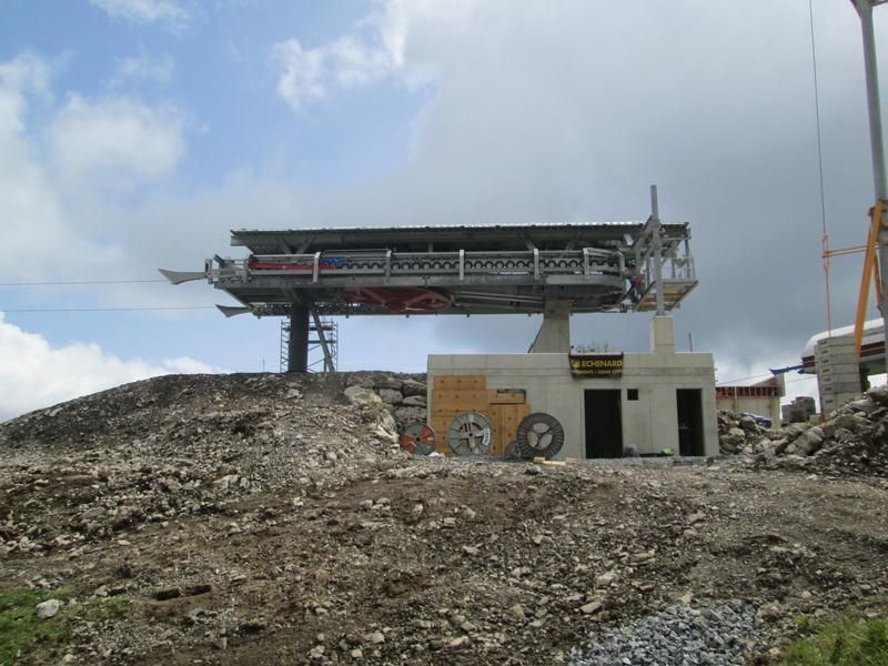 Construction du télésiège débrayable 4 places Le Fer-Brion-Tête d'Ai à Leysin VD Suisse (TSD4) Img_2113