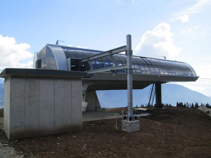 Construction du télésiège débrayable 4 places Le Fer-Brion-Tête d'Ai à Leysin VD Suisse (TSD4) - Page 2 Img_2115