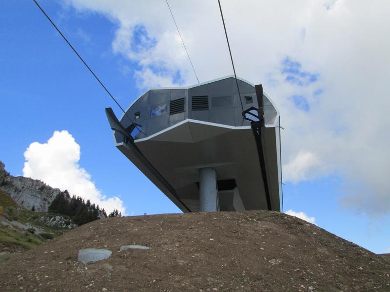 Construction du télésiège débrayable 4 places Le Fer-Brion-Tête d'Ai à Leysin VD Suisse (TSD4) - Page 2 Img_2116