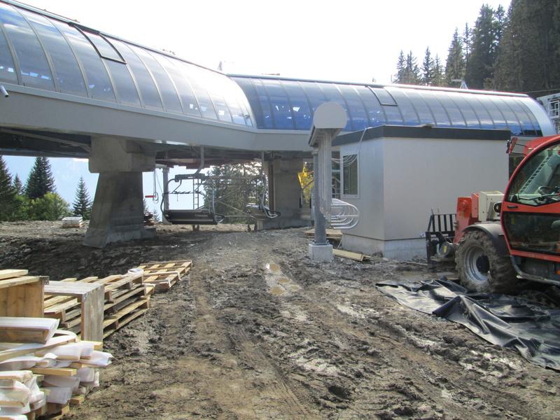 Construction du télésiège débrayable 4 places Le Fer-Brion-Tête d'Ai à Leysin VD Suisse (TSD4) - Page 2 Img_2121