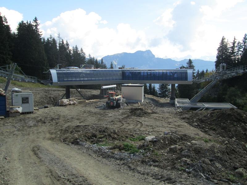 Construction du télésiège débrayable 4 places Le Fer-Brion-Tête d'Ai à Leysin VD Suisse (TSD4) - Page 2 Img_2123
