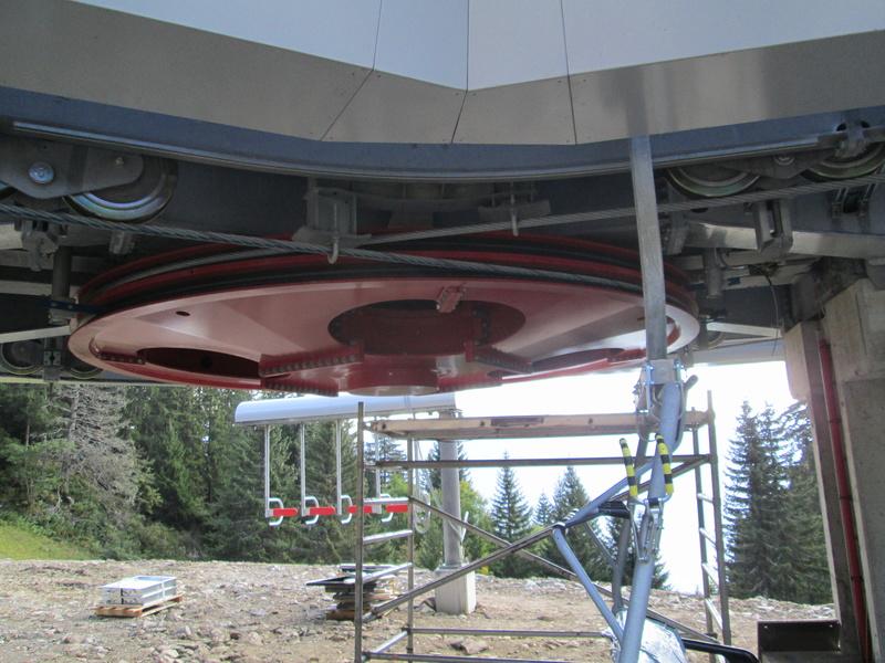 Construction du télésiège débrayable 4 places Le Fer-Brion-Tête d'Ai à Leysin VD Suisse (TSD4) - Page 2 Img_2125