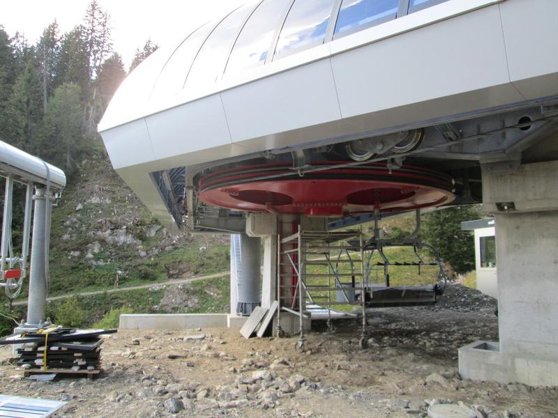 Construction du télésiège débrayable 4 places Le Fer-Brion-Tête d'Ai à Leysin VD Suisse (TSD4) - Page 2 Img_2126