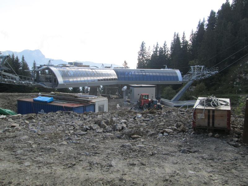 Construction du télésiège débrayable 4 places Le Fer-Brion-Tête d'Ai à Leysin VD Suisse (TSD4) - Page 2 Img_2132