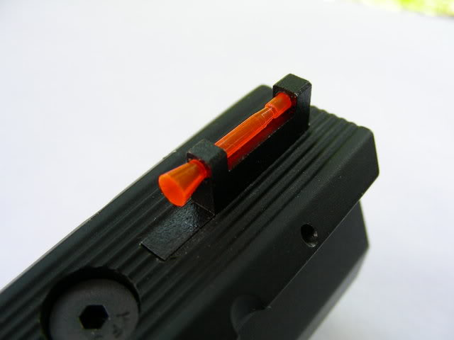 pistolet bernardelli modèle 69, guidon Finish10