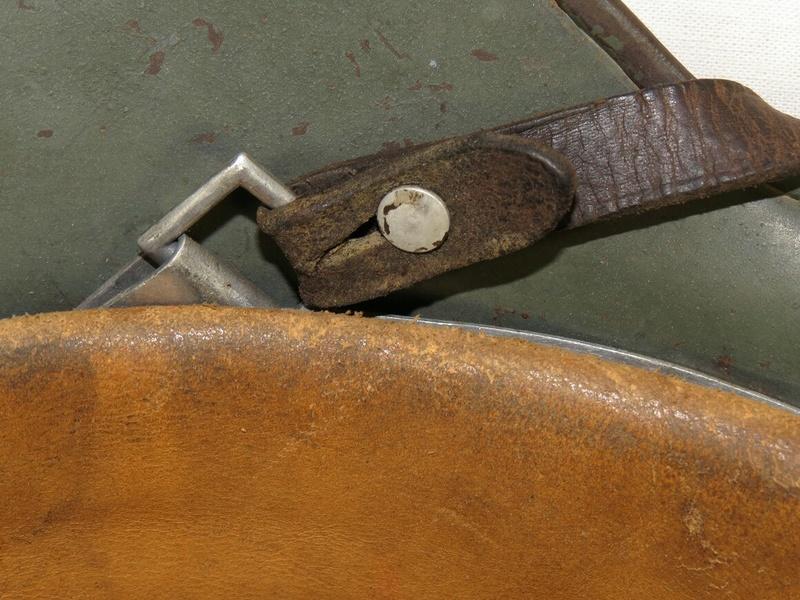 La jugulaire du casque allemand M35-do15